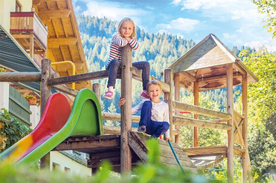 Riesenspielplatz beim Familienhotel Salzburger Hof , Dienten am Hochkönig