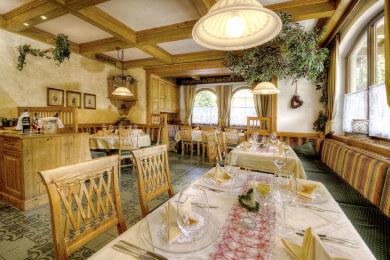 Heller Speisesaal im 3 Sterne Hotel Salzburger Hof
