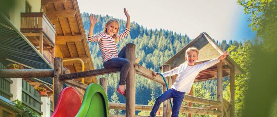 Riesenspielplatz - Familienhotel Salzburger Hof in Dienten